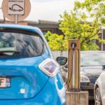 Prises de recharge voitures électriques au centre commercial de Chamnord